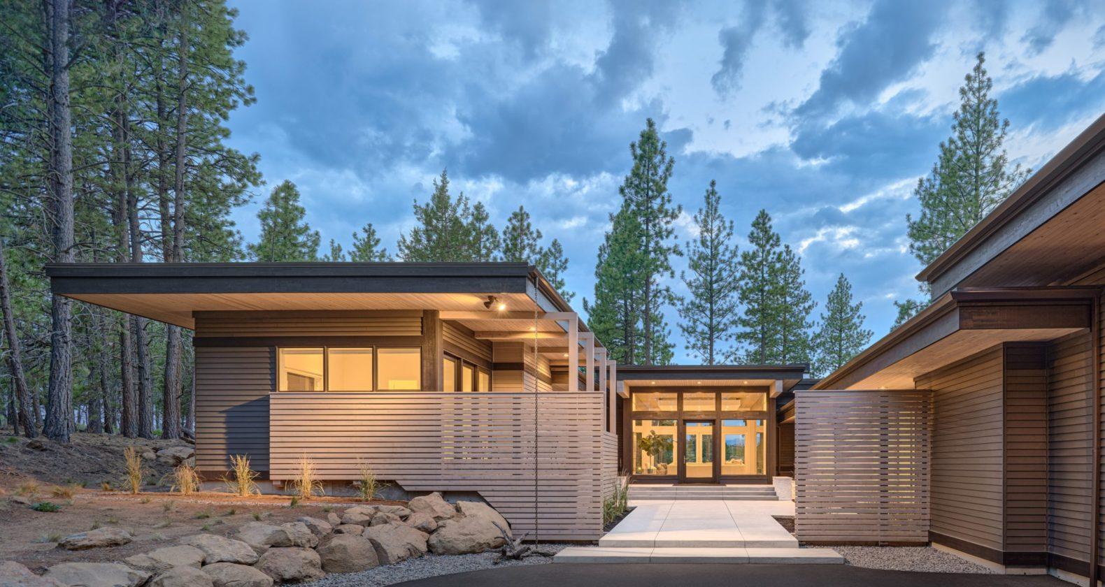 modern architecture bend oregon tetherow golf dream home steel bridge mountain bike outdoor living