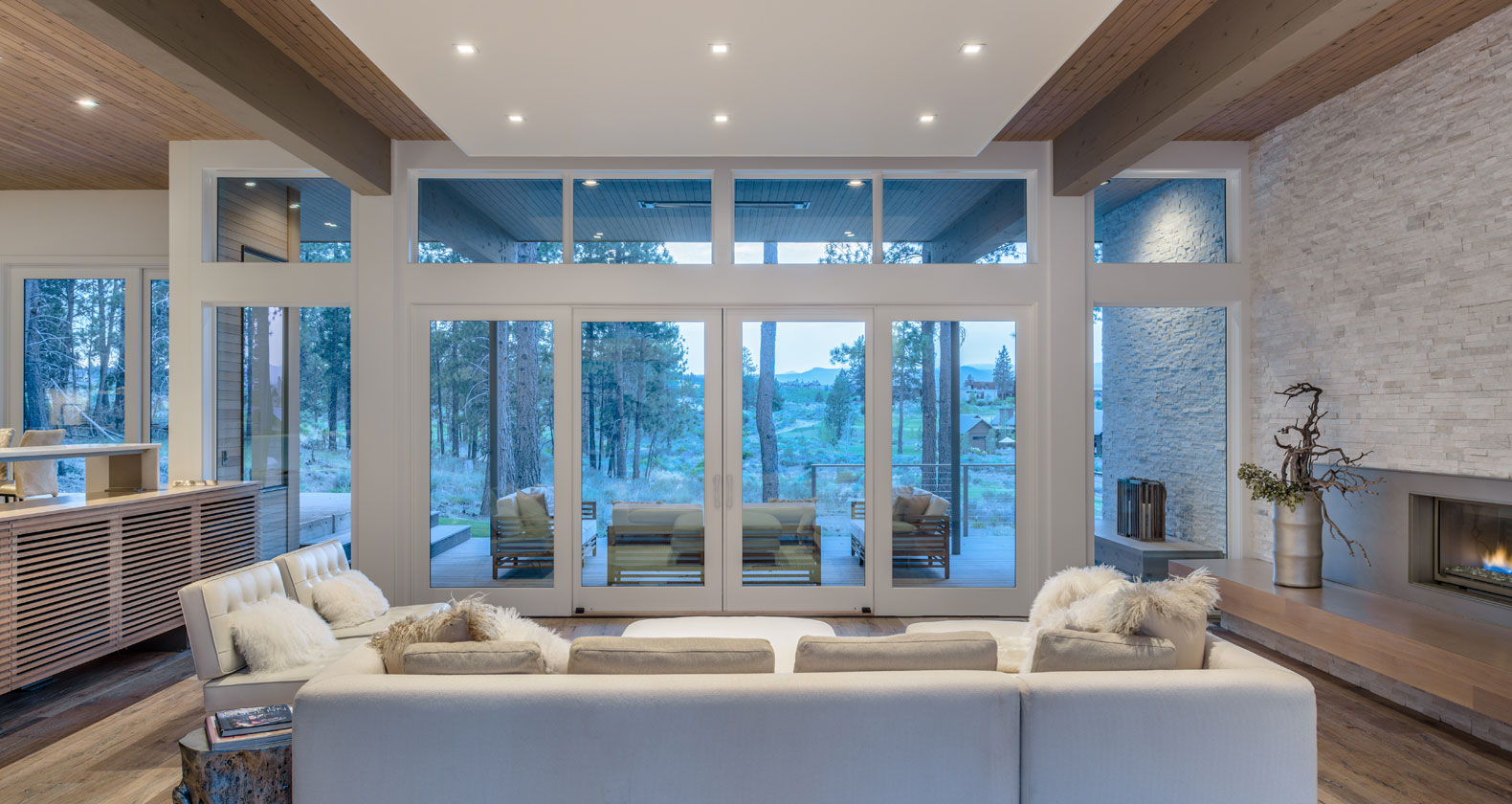 window wall Pella modern architecture bend oregon tetherow golf dream home steel bridge mountain bike outdoor living